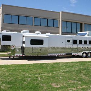 Sundowner Horse Trailers >> Sundowner Trailer Corporation